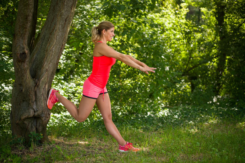 edzés a szabadban térdnyújtás