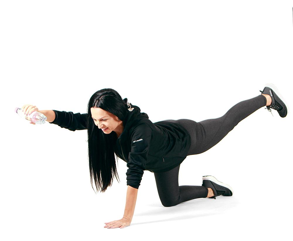 alakformáló gyakorlatok, ellentétes láb- és karemelés